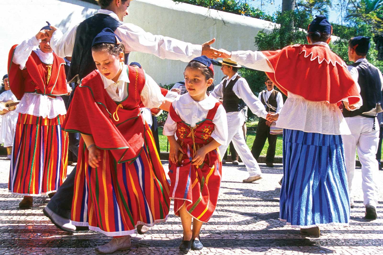 Soirée, typique avec folklore à Porto Santo